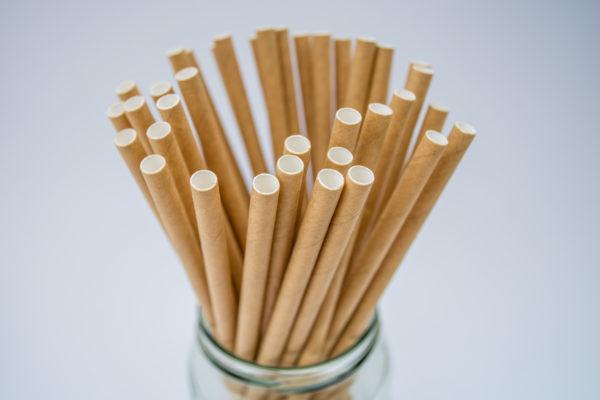 kraft-straws-in-a-jar